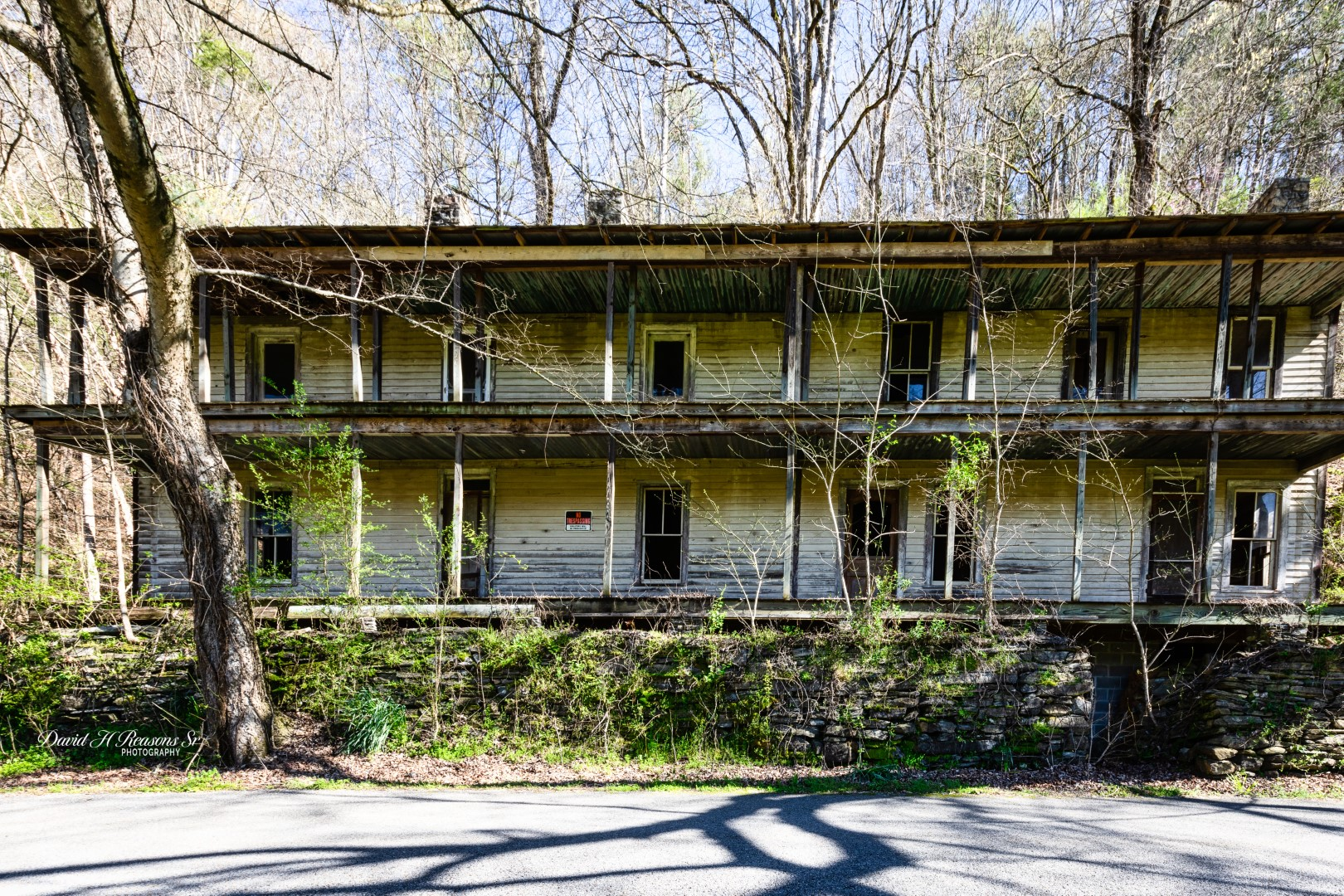 Mr. Higdon built the hotel on the Hiwassee River after he learned that the L&N Railroad planned to build a railroad that would come through Polk County, Tennessee.